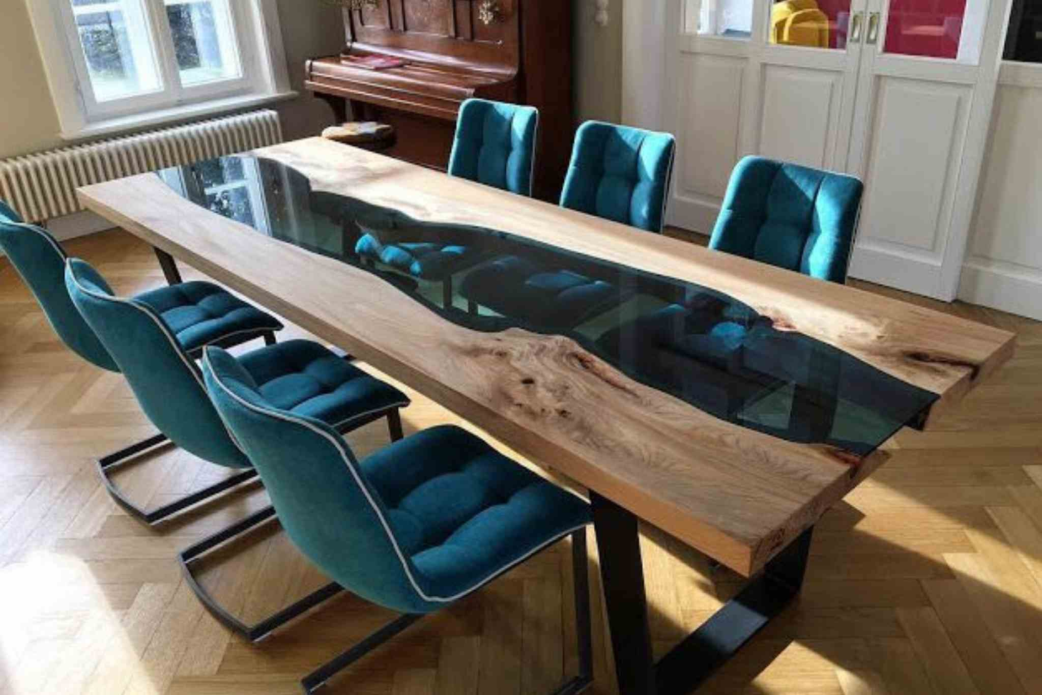 epoxy table by oneglow